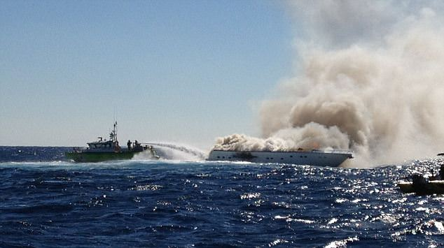 Miami Dade MetalCraft Marine Firestorm 50 extinguished this spectacular boat fire